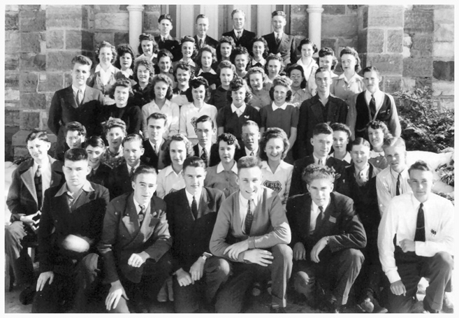 1943 Fielding High School Seminary Class